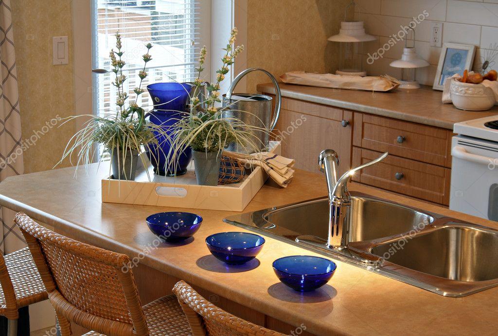 depositphotos_11340639-stock-photo-brand-new-small-kitchen-beautifully